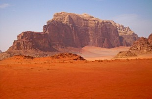 Mountain_in_Wadi_Rum,_Jordan_wiki